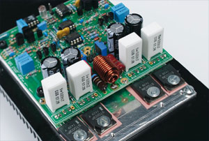 paX: a power amplifier with error correction (2)