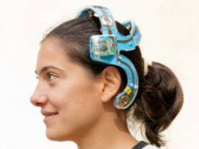 Wireless Active-Electrode EEG Headset