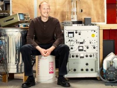 DIY Scanning Electron Microscopes, Virtual Reality, Valve: An Interview with Ben Krasnow