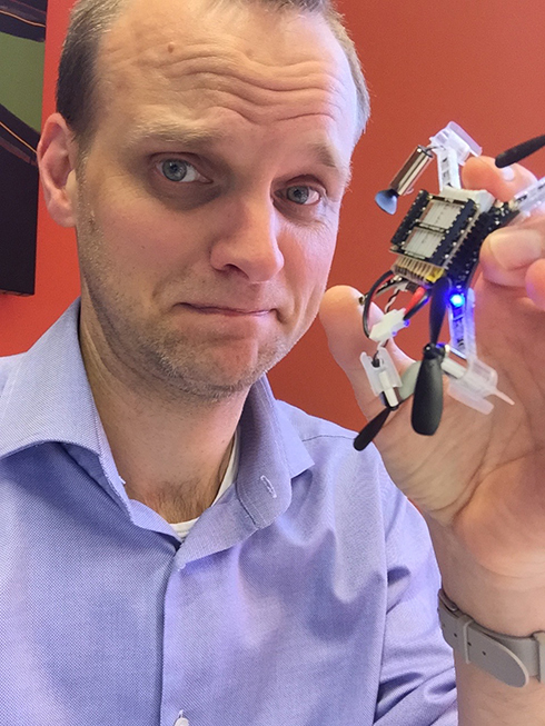Crazypilot Erik with the hurt drone...