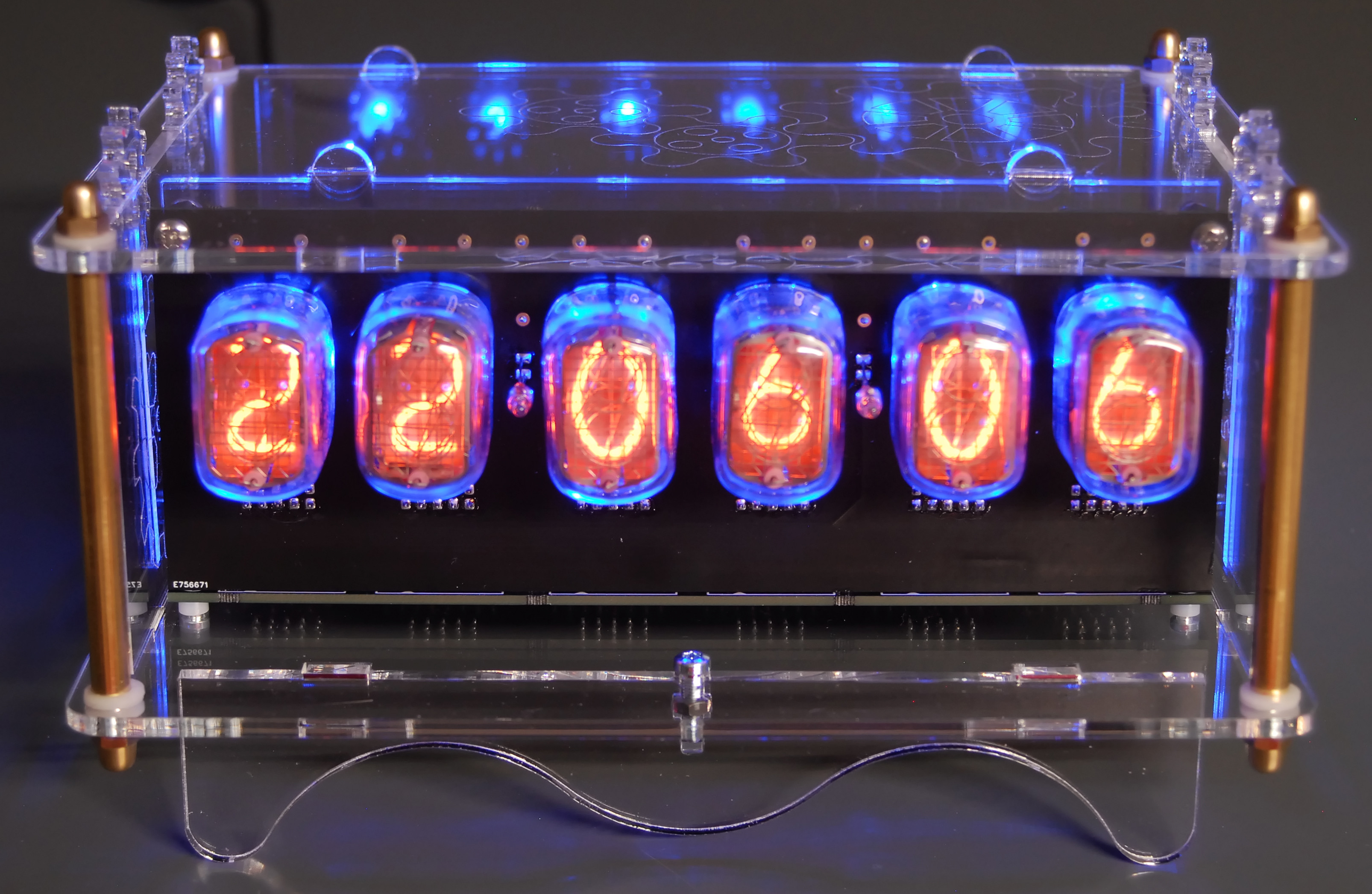 6-digit Nixie clock synchronized by GPS, adjustable to all